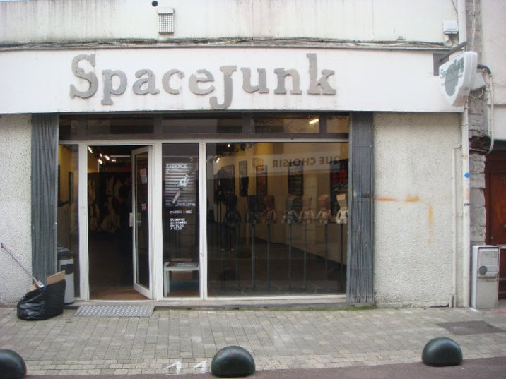 Essence // Bayonne // Spacejunk
