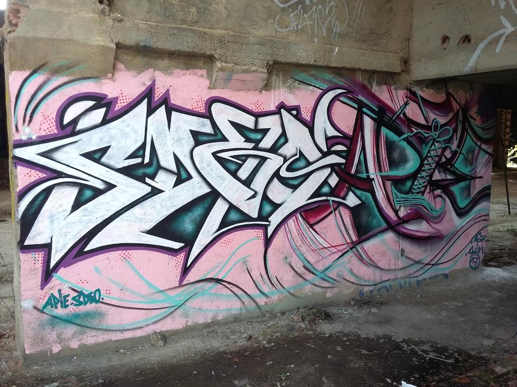SDEO FEAT MISS APIE